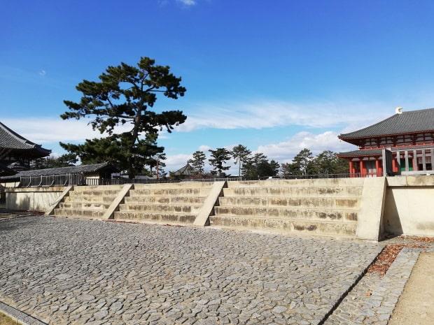 興福寺の南大門跡
